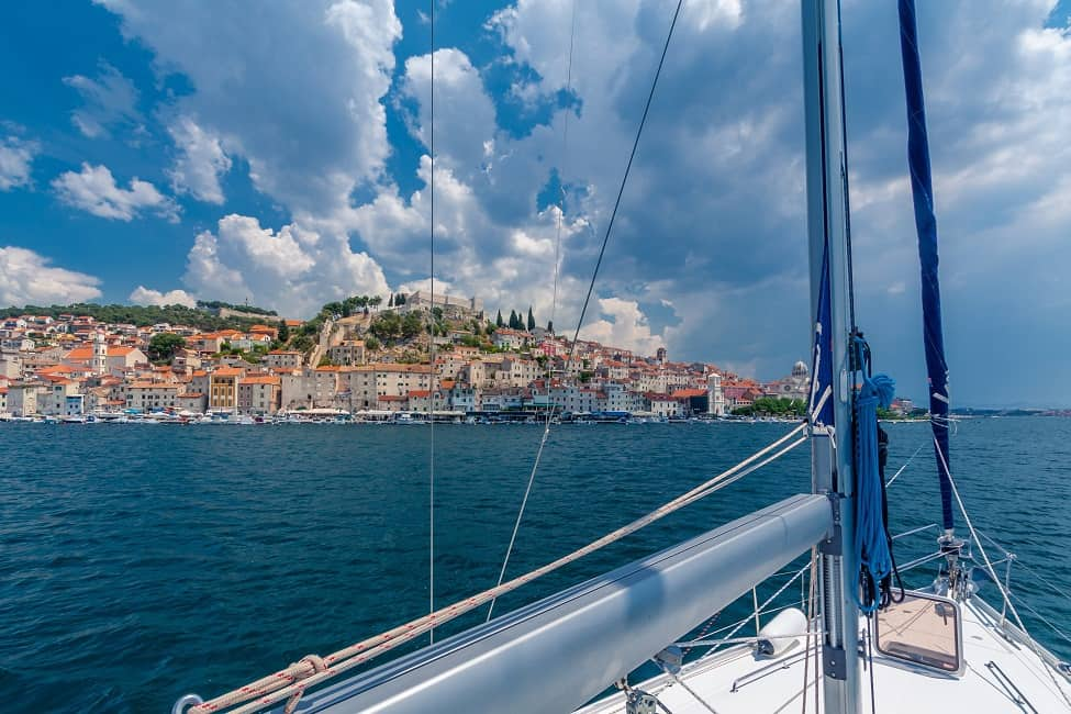 How to save money on a yacht charter